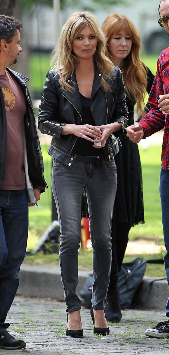 biker jacekt with grey jeans, black tank+pumps \\ @dressmeSue pins good outfit