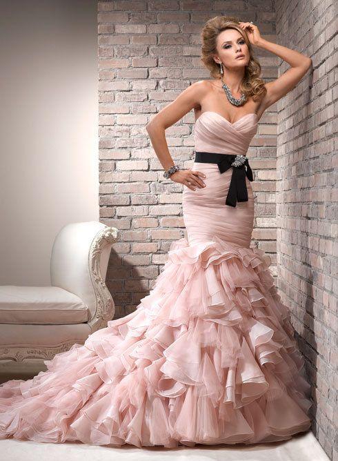 El traje de novia rosa de Jessica Biel despierta nueva tendencia en ...