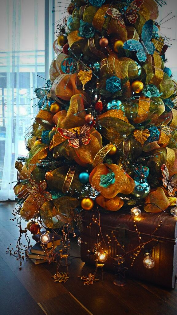 professional christmas decorators for hire. Our