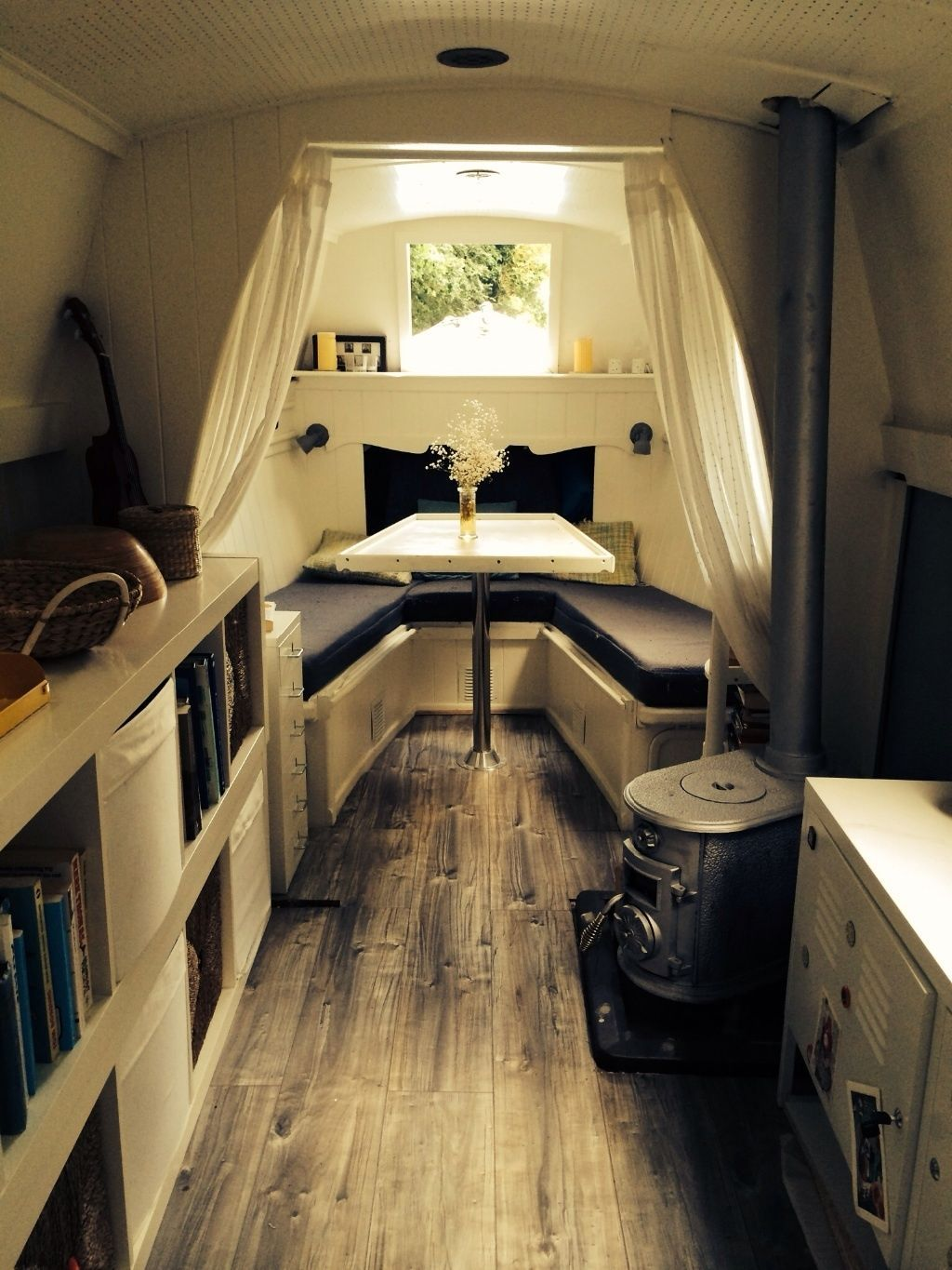 40ft Narrowboat refurbished this year   Boating life   Pinterest     40ft Narrowboat  I like the one level floors and how open it is  It makes  it look and feel bigger