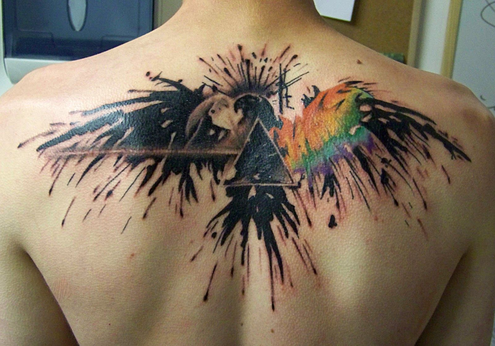 Aguila En La Espalda eagle back | tatuajes, tatuajes retro, alas tatuaje