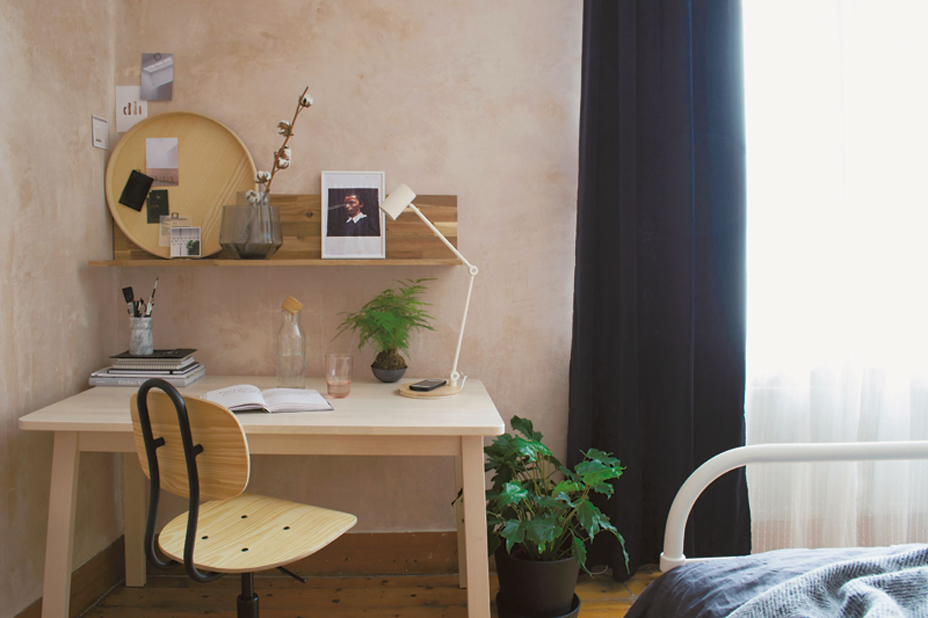 An Interior Designer Gives Us Her Tips If Your Bedroom Is Also An Office Desk In Living Room Interior Dining Room Office