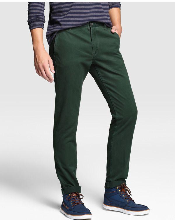 82c3220739 Pantalón de hombre Sfera. Pantalones verdes