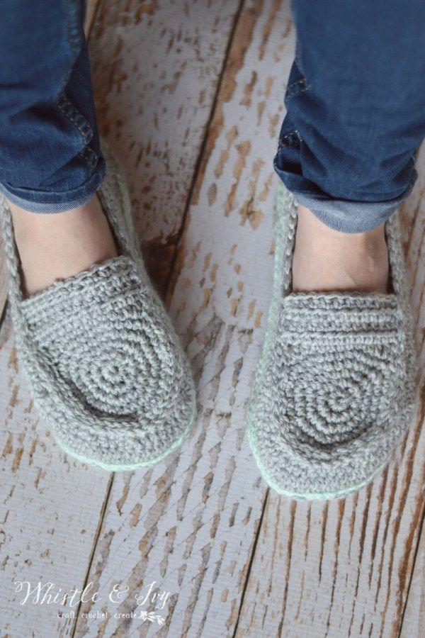 Women\'s Loafer Slippers Crochet Pattern | Häkeln, Pantoffeln und ...