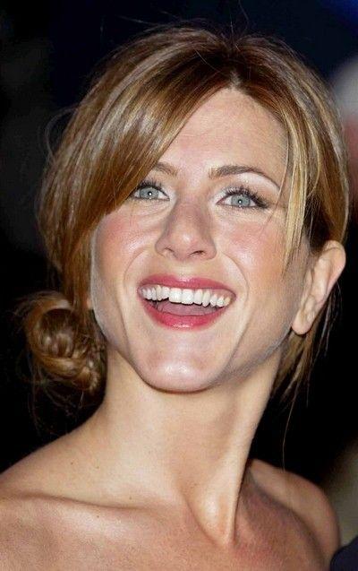 Cheveux : 20 ans de coupes et de coiffures de Jennifer Aniston ! | Coiffure, Cheveux, Jennifer ...