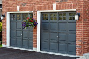 Garage Construction Costs Average Price To Build A Garage Red Brick House Orange Brick Houses Red Brick House Exterior