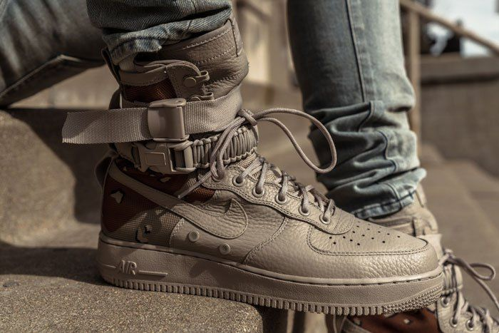 Closer On Feet Looks Of The Nike Sf Af1 Desert Camo And Dust From Different Retailers Sneakers Men Fashion Nike Sf Af1 Running Shoes For Men