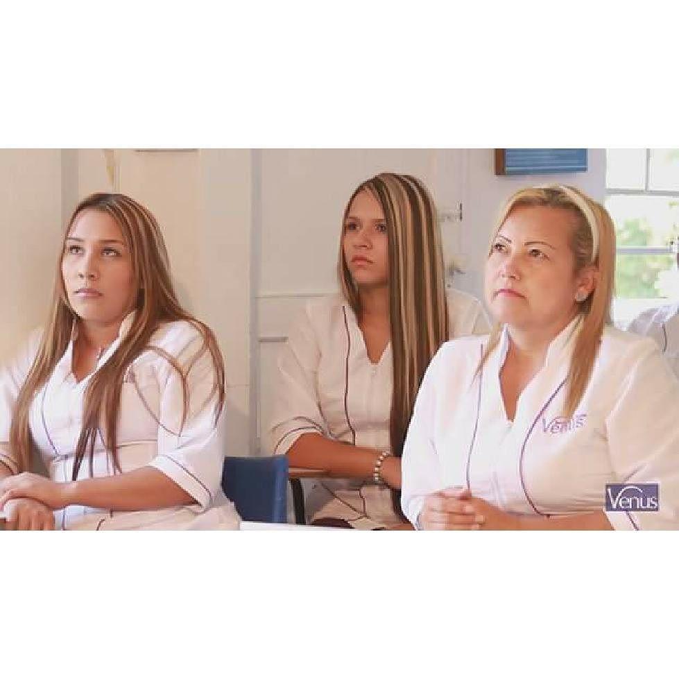 La Academia Venus Belleza y Moda es un lugar para vivir en familia y como tal nos preocupamos por el futuro de cada uno de los miembros que la componen.  Por ello contamos con:  1) Asesorías en el montaje de negocios de estudiantes y egresados.  2) Bolsa de empleo con las mejores oportunidades laborales en el campo de la belleza y la estética.  http://ift.tt/23D2aZI #academiavenus #bellezaymoda #estilo #peluqueria #peinados #cortes #barberia #spa #centrosdebelleza #estilistas #beauty…