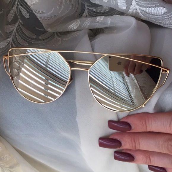 d5fcf6058e8 Silver Mirror Lens   Gold Frame Cross Wire Boutique
