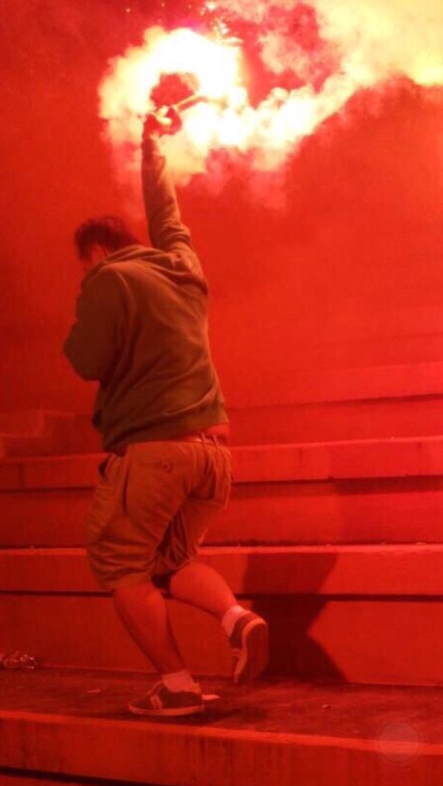 Red flare Nopyronoparty