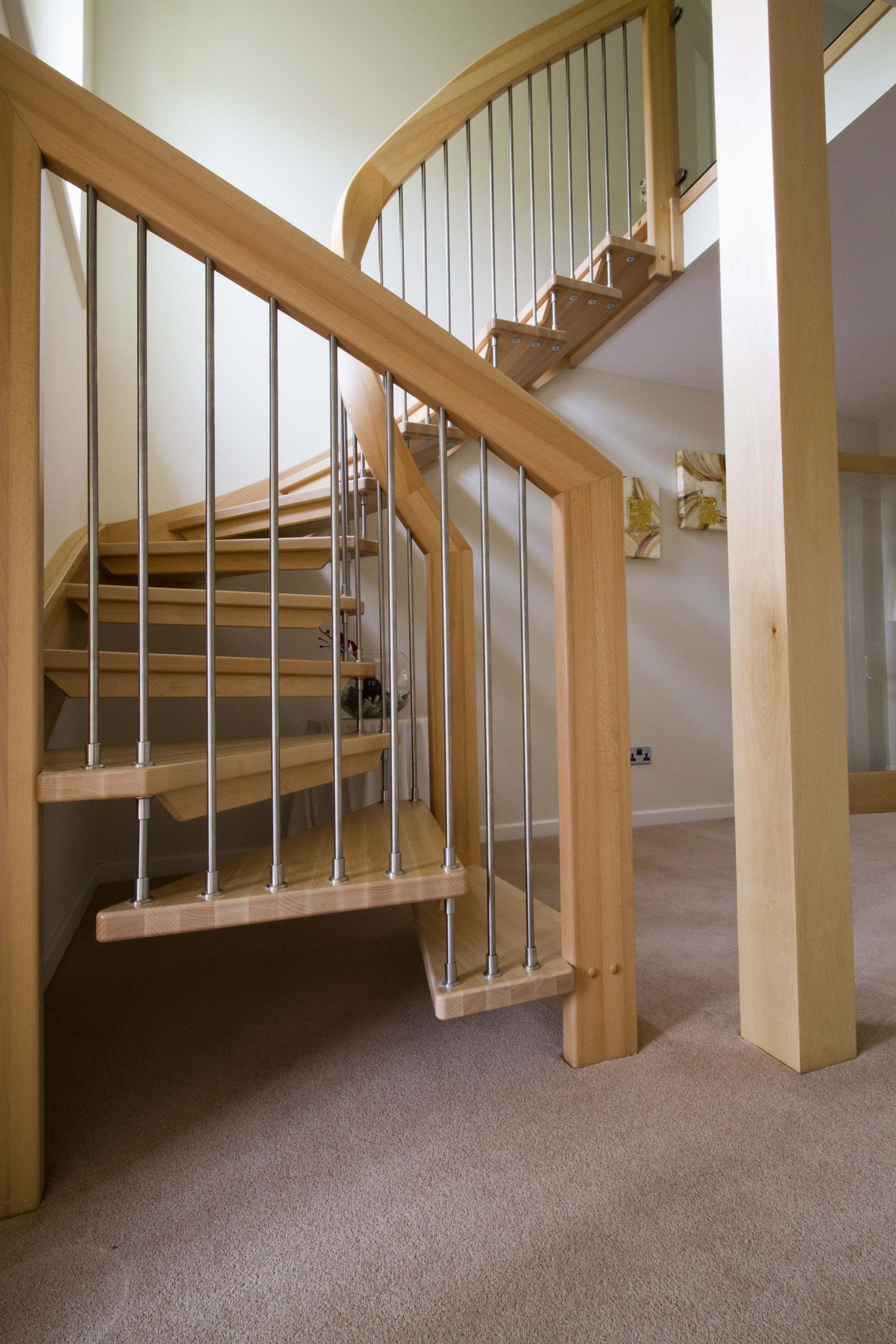 Best Open Staircase Design – Tadley Hampshire Timber Stair 400 x 300