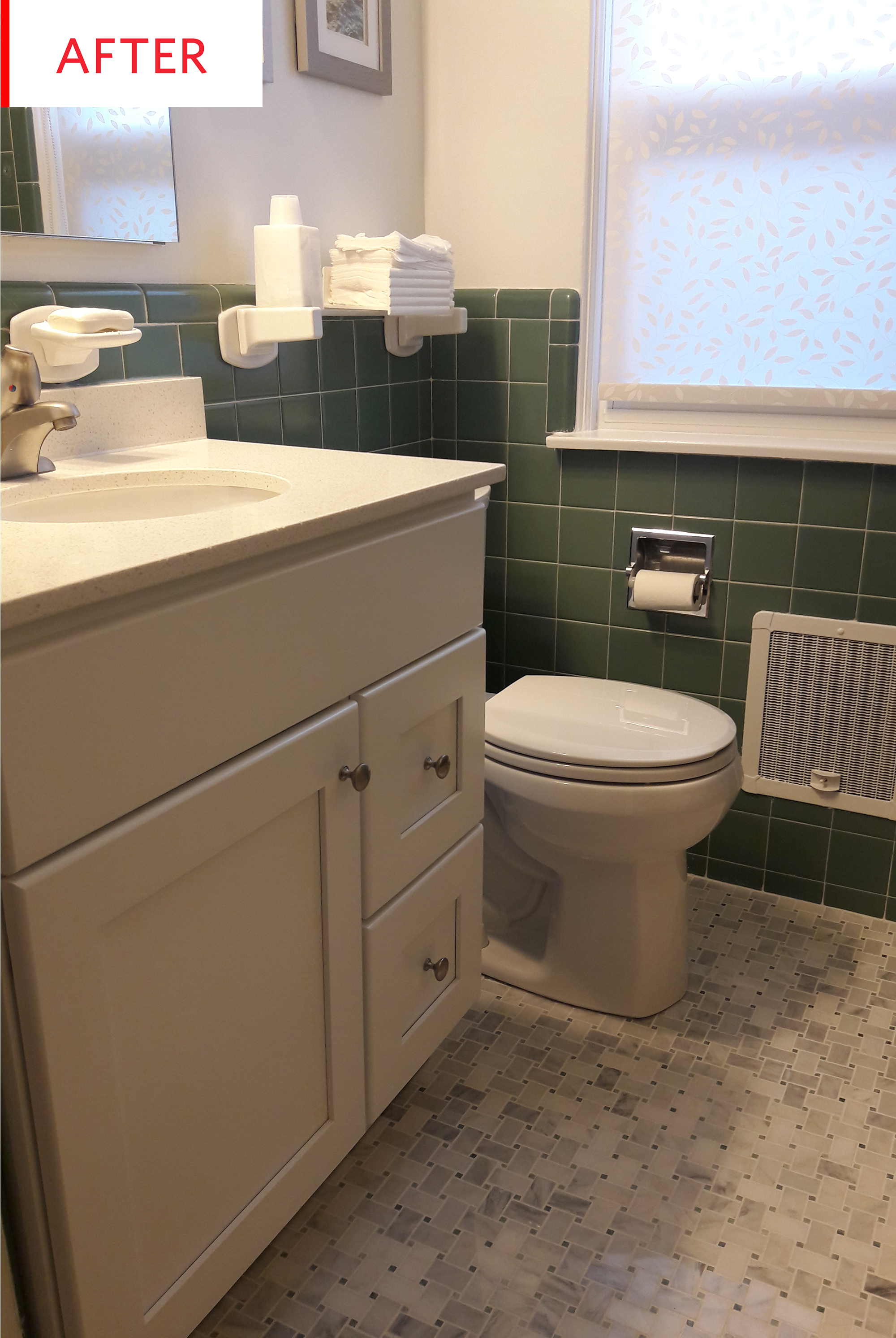 How To Decorate A Small Old Bathroom