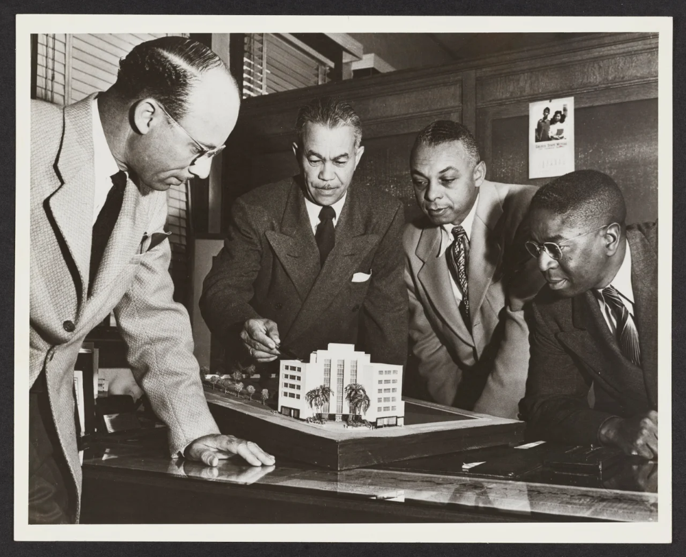 How Trailblazing Architect Paul R. Williams Changed