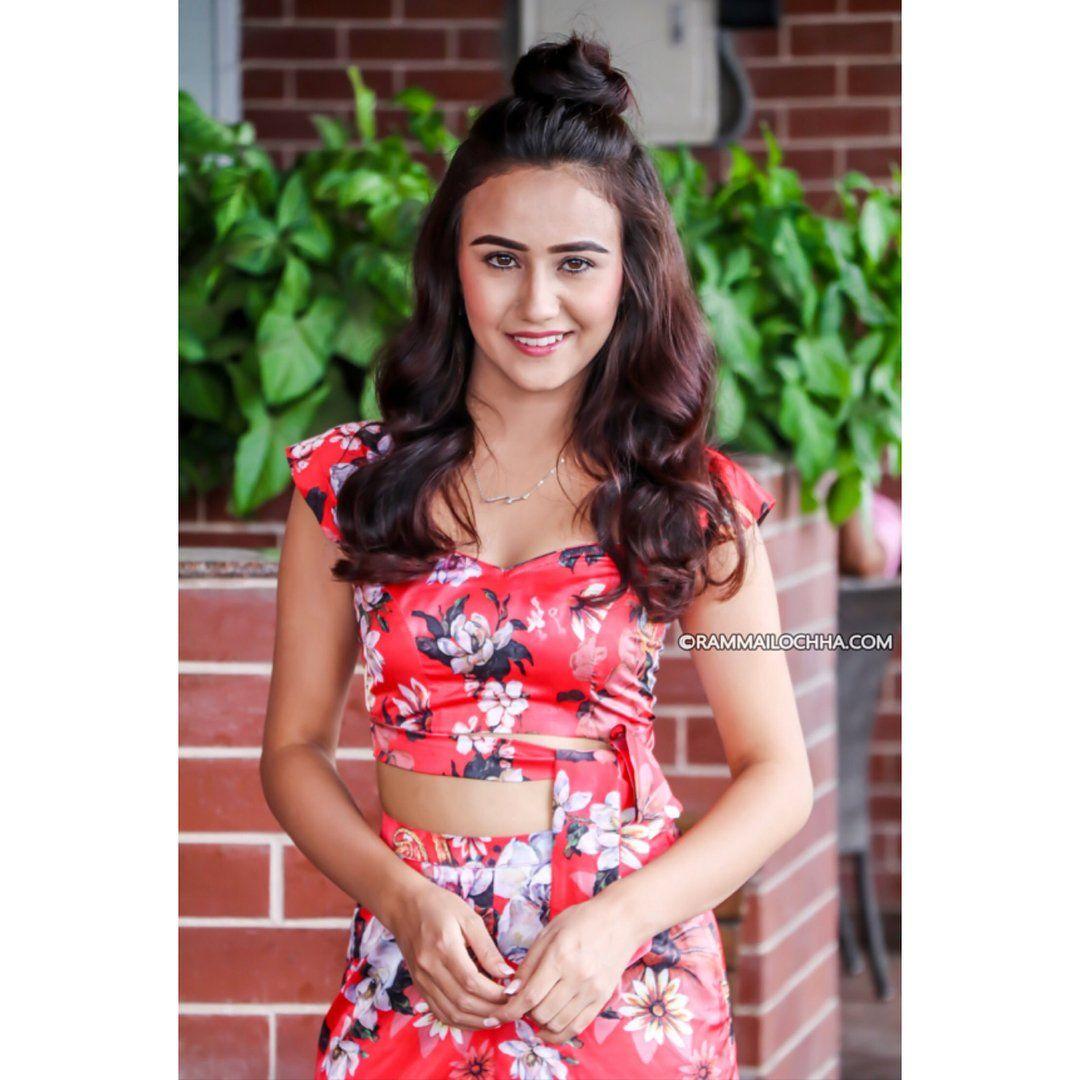 Nepali Heroine Model On Twitter Model Intelligent Women Celebrities