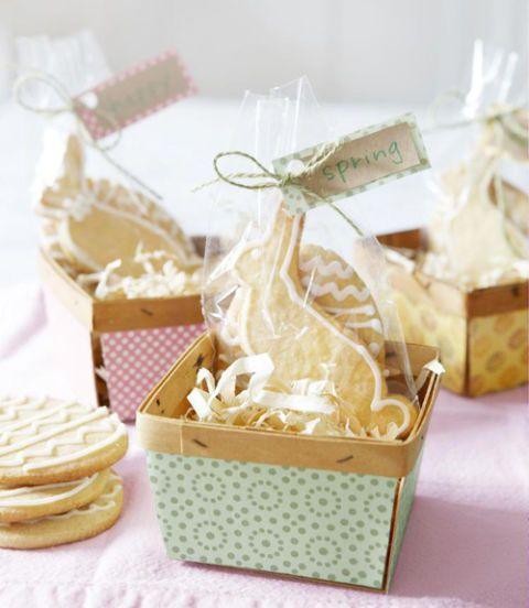 35 super cute easter basket ideas seasons spin and sweet 35 super cute easter basket ideas negle Image collections