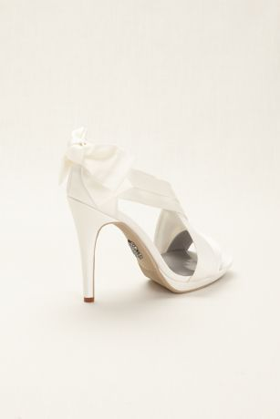 fea77f68a0cbe5 Glamorous White by Vera Wang satin platform sandal with pleated straps and bow  back detail. Satin platform sandal features delicate bow back detail and ...