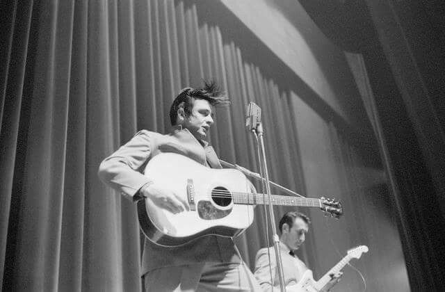 Johnny Cash and Luther Perkins in Whiteplains NY