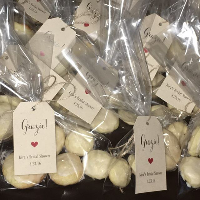italian wedding cookies make for the perfect bridal shower favor madebymondy c
