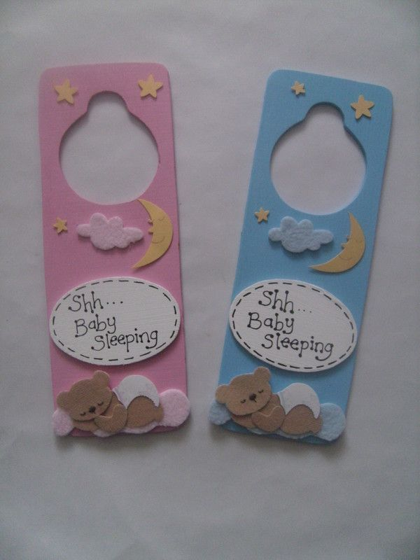 Shh baby sleeping wooden door hanger inspiration for Colgadores para puertas
