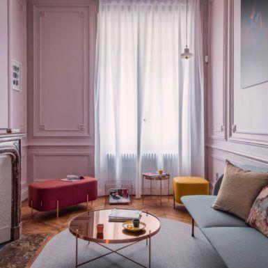 Salon design le rose poudr des murs apporte chic et glamour verocotrel architecte d - Salon rose poudre ...