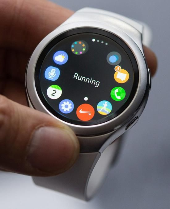 With The Gear S2 Smartwatch Samsung Finally Gets Wearables Hands On Smart Watch Samsung Watches Gear S2