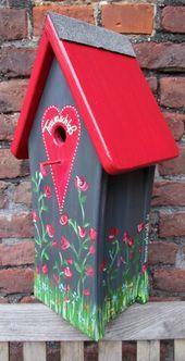 Wundervolles handbemaltes Vogelhäuschen. Hier eines ganz verwunschen und roman..., #Eines #...