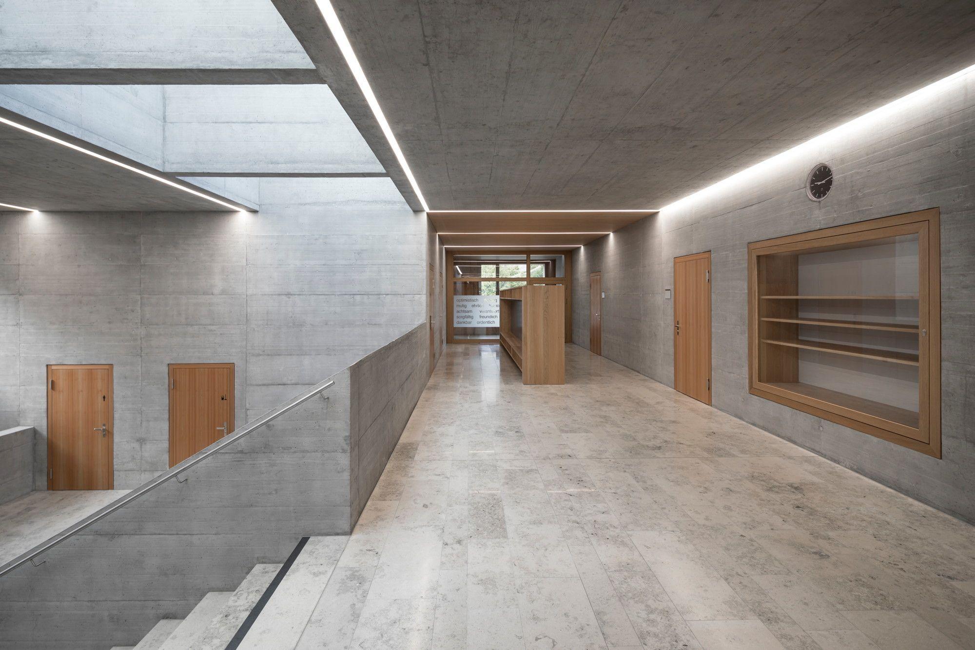 Holzerne Stuben Schulerweiterung In Graubunden Von Moeller Raupach Architekten Architekt Architektur Stube