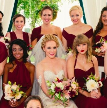Abigail Anderson Wedding Photo With Best Friend Taylor Swift Serving As Bridesmaid Anderson Wedding Taylor Swift Style Taylor Swift News