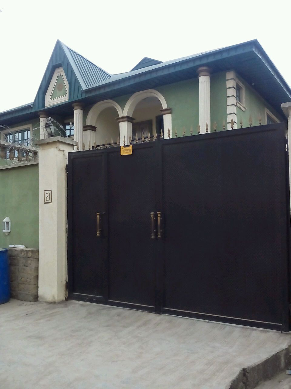 Newly Build Block Of 4 Nos 3 Bedroom Flats For Sale At Bakare Street Off Oriola Street Alapere Ketu Title C Of O Realestate Property Flat Forsale Alap