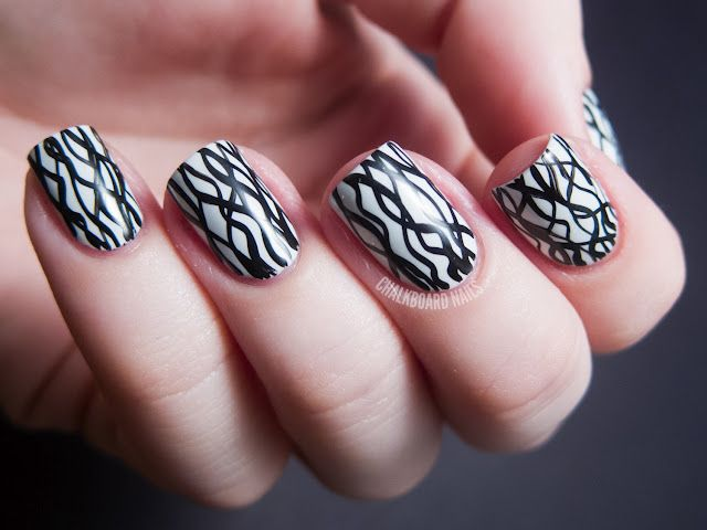 Day 07, Black and White Nails