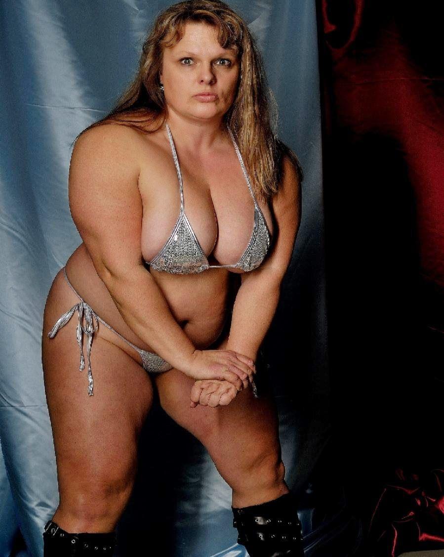 anna konda (100kg): muškarci hrle da im prijeti, guši ih i tuče