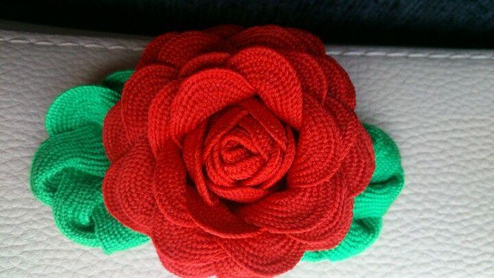 Una rosa de piculina, fácil y muy favorecedora