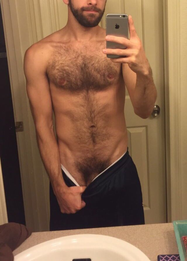 men hung nude hairy