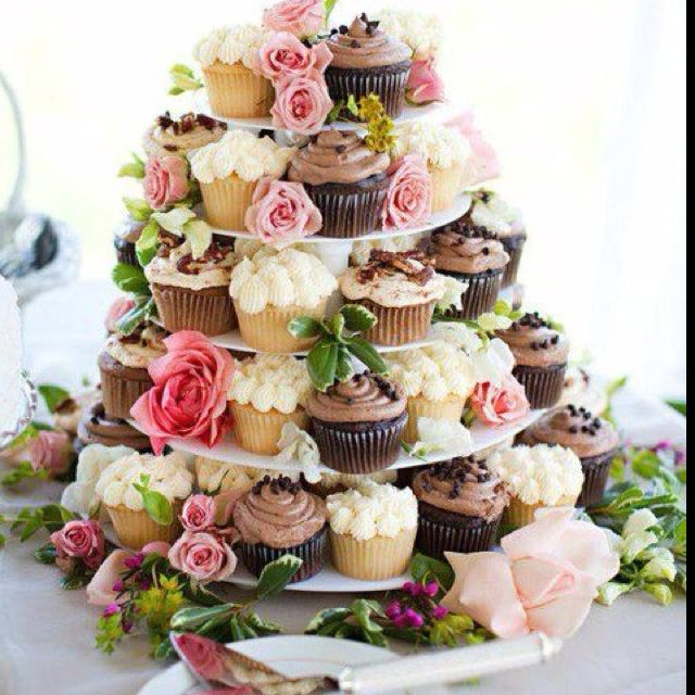 Wedding Cupcake Stand Ideas: Pin By Taggs Clothing And Home On Baked Goods