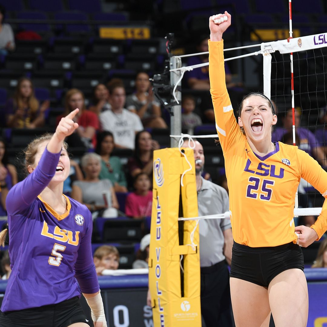 Pin By Ava Harrington On Lsu Lsu Lsu College Volleyball