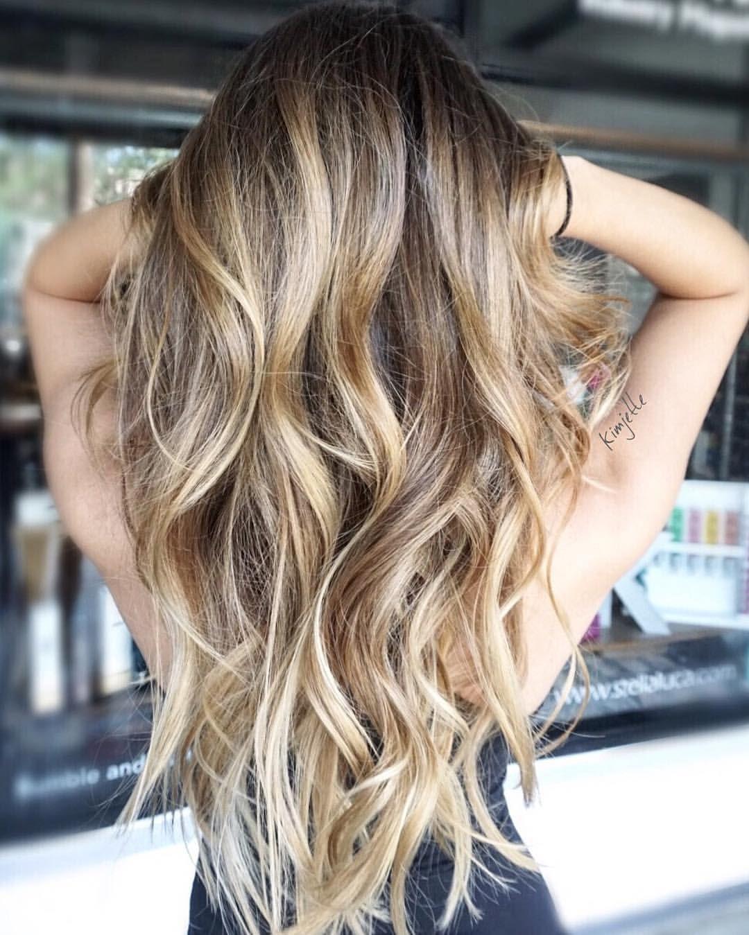 Hairpaitning #hairbykimjette #balayage #hairpainting #honeyblonde @kimjettehair (at Stella Luca Salons - Winter Park's Balayage & Hair Extensions Salon)