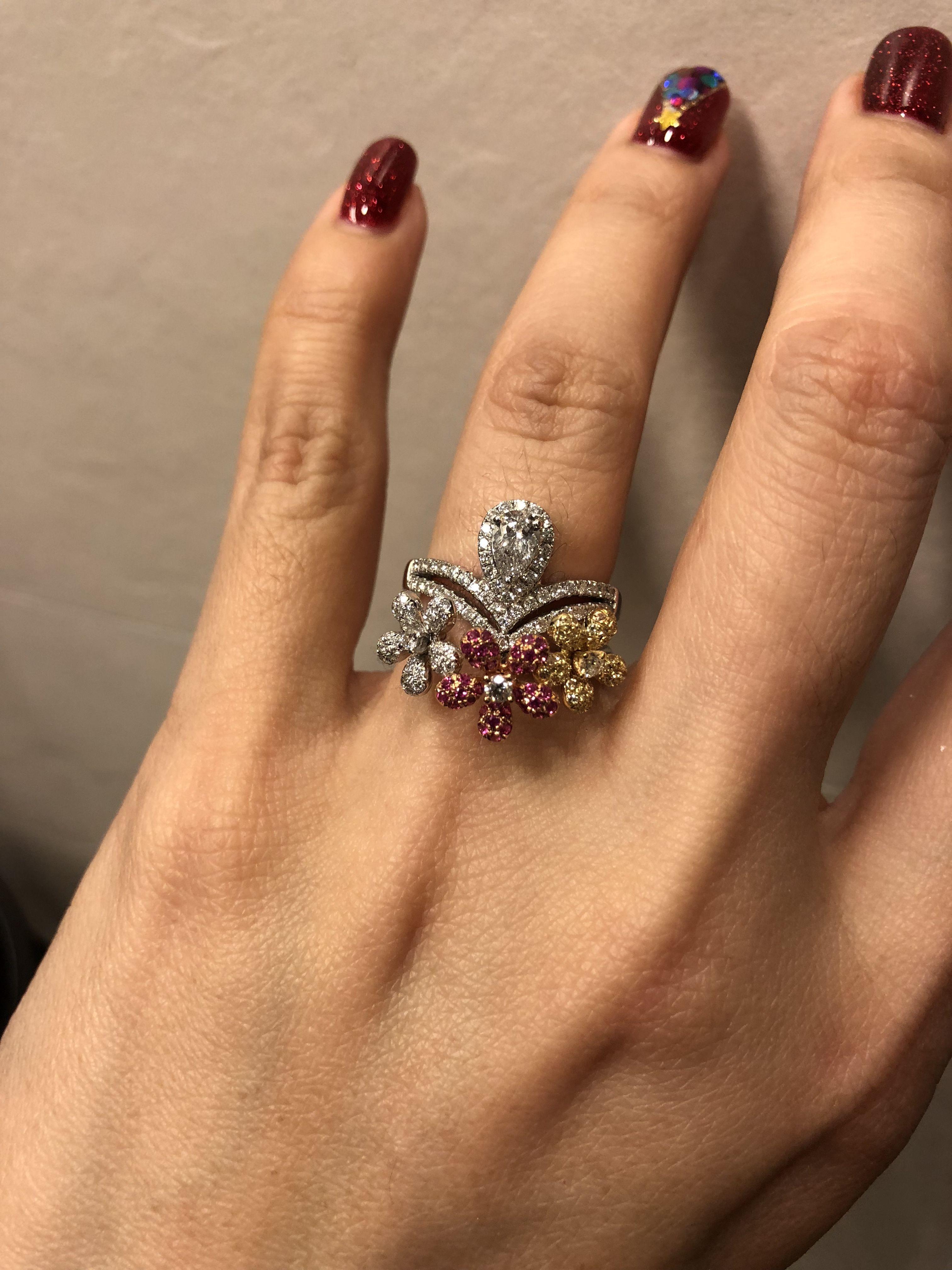 3 flowers diamond ring , fancy color diamond , very very