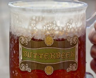 This site (http://www.britta.com/hogwarts/recipes.html) has a bunch of Wizarding World recipes, including butterbeer, treacle tarts and more.