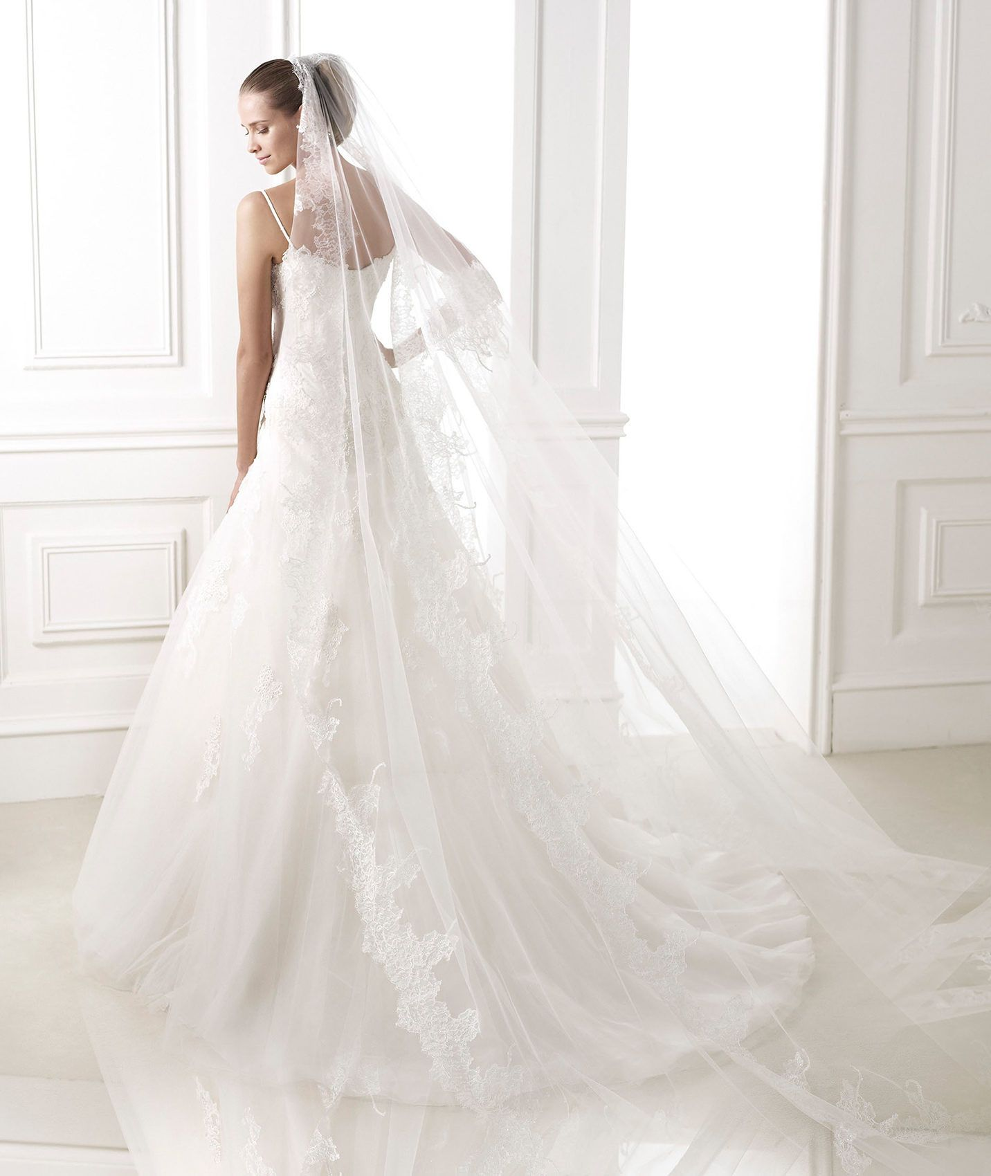 Pronovias presents its V-2829 bridal veil. | Pronovias | Everything ...