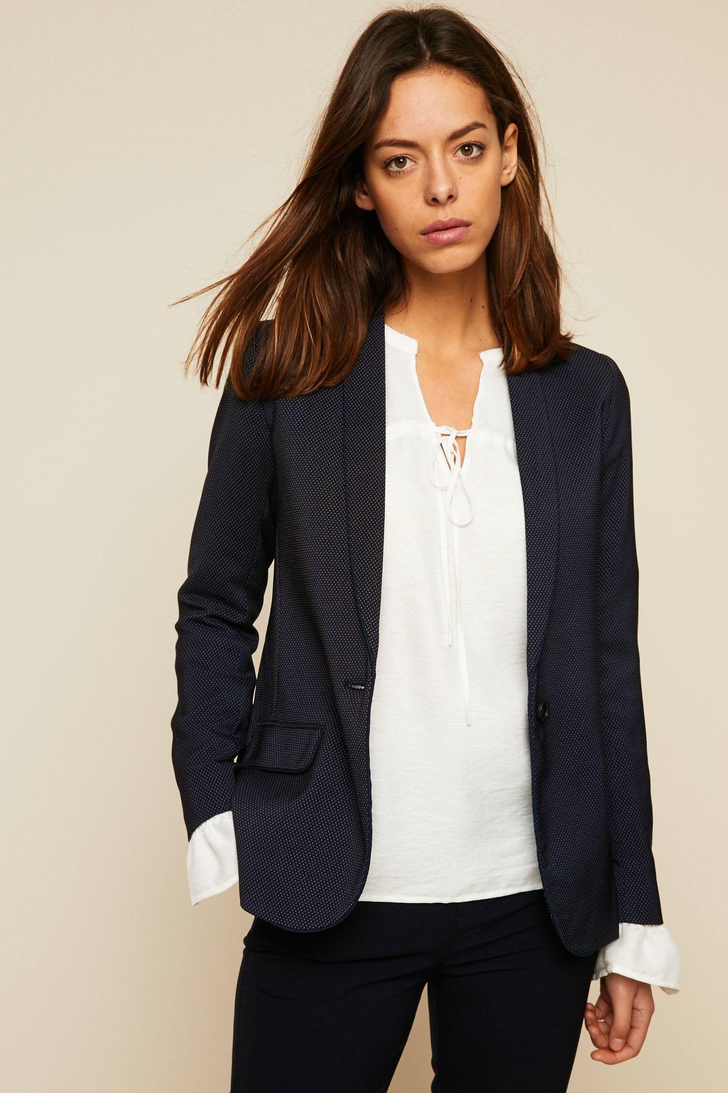 best service 22cca fe89a Mkt studio Viraille Veste blazer à pois bleu marine prix Veste Femme  Monshowroom 189.00 € TTC
