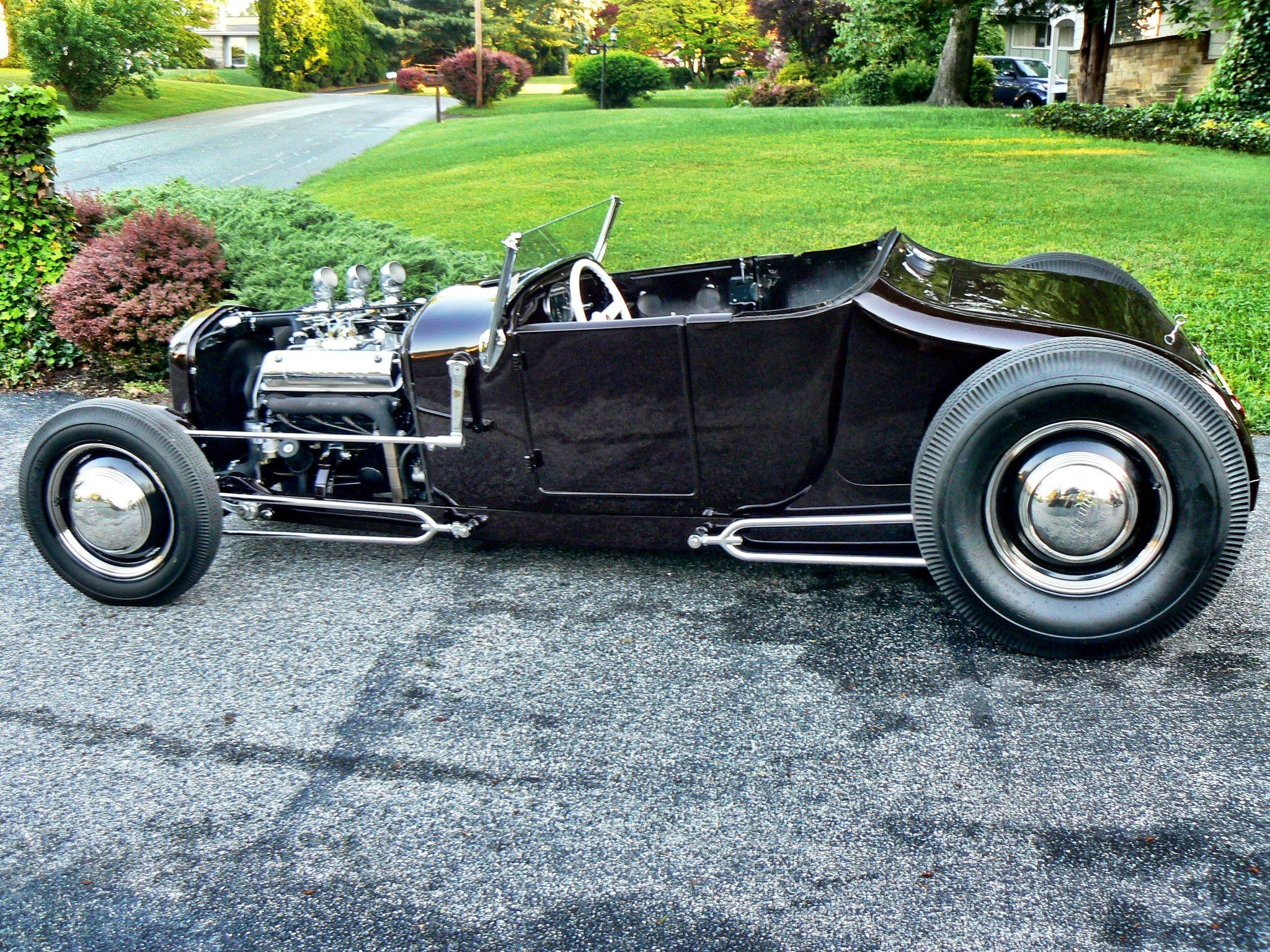 Featured registration jon schuchart s low slung 1926 ford roadster coming from pa to