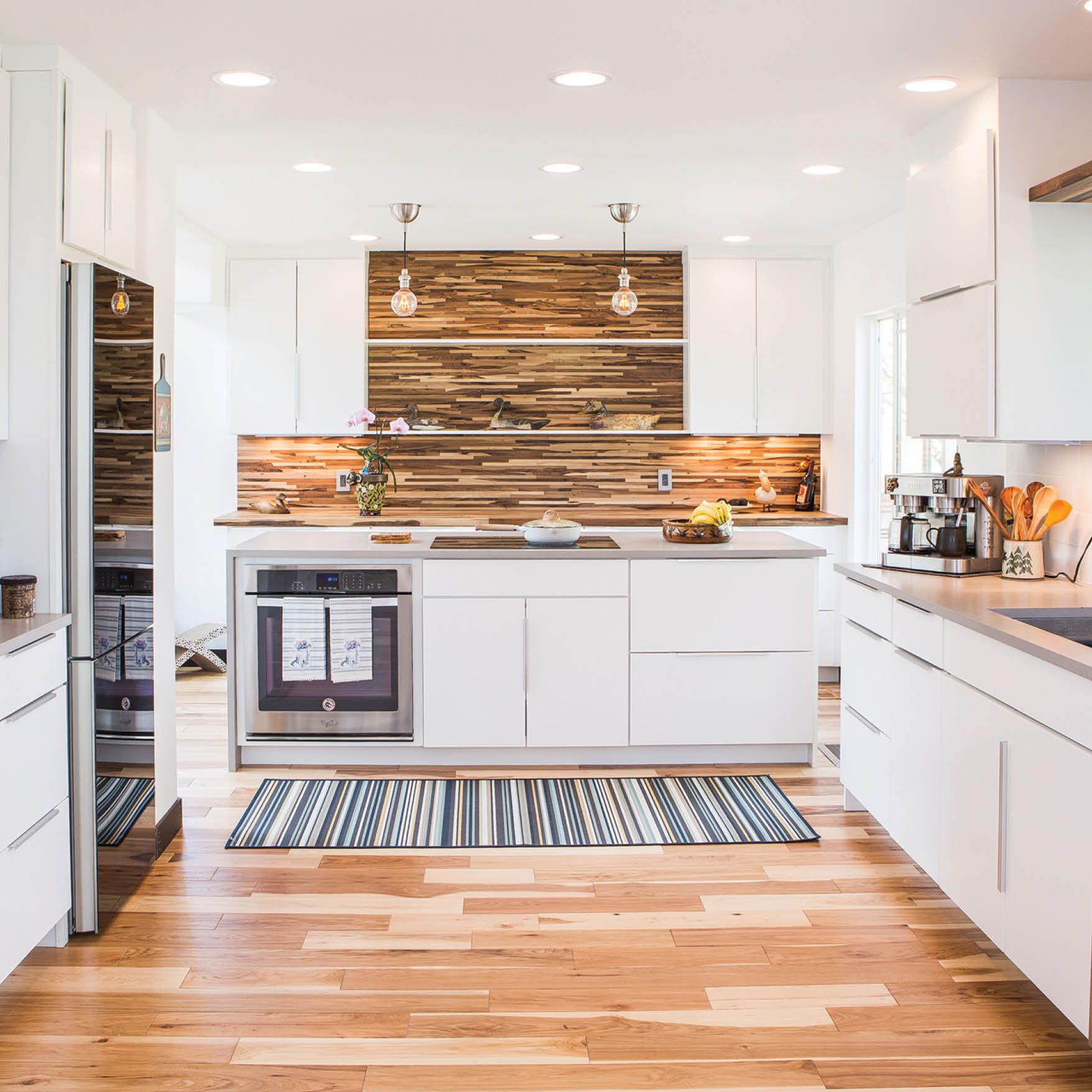 Best This Gorgeous Mix Of Wood And White Was Designed Using D12 400 x 300