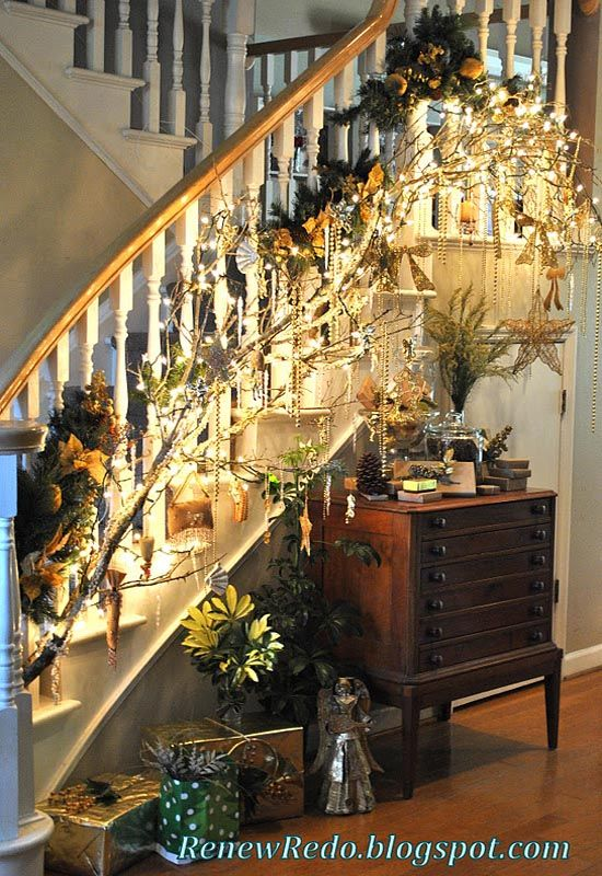40 festive christmas banister decorations ideasa for How to decorate a banister