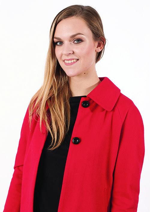 On craque totalement pour le manteau rouge Carolina de Zenic (76€ au lieu de 109€) https://dressingdumonde.com/boutique/femme/manteau-carolina/