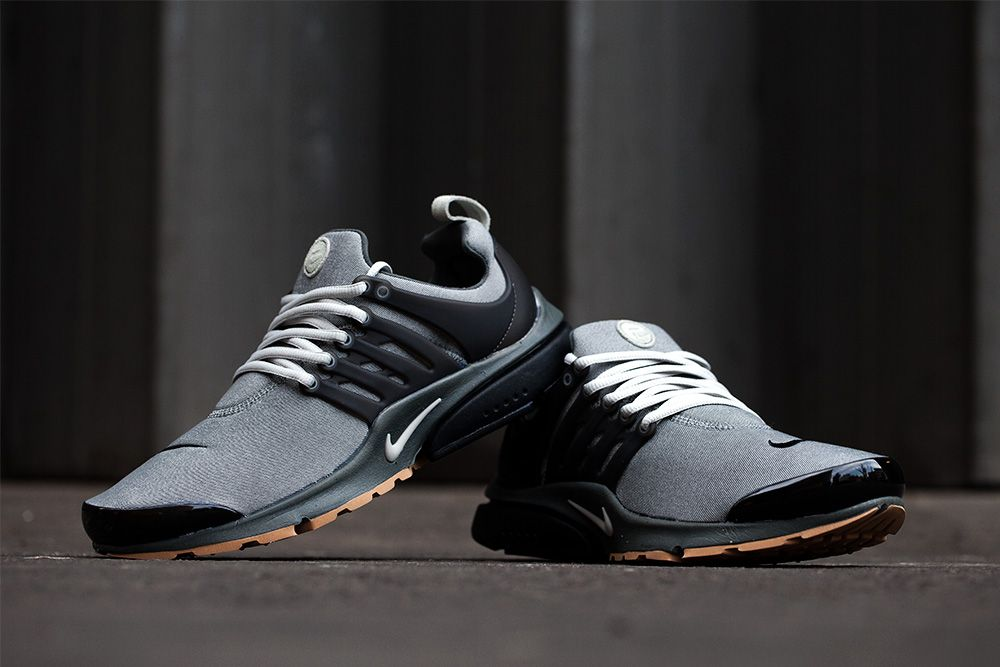 This Friday, Nike Sportswear will release the Denim Pack, composted of the  Air Max Air Max BW and two colorways of the Air Presto.