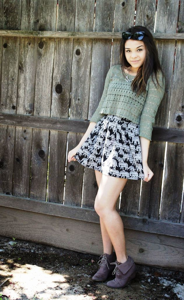 5a87dc5d7d 50 Trendy Ways To Wear A Cropped Sweater. Visit. March 2019