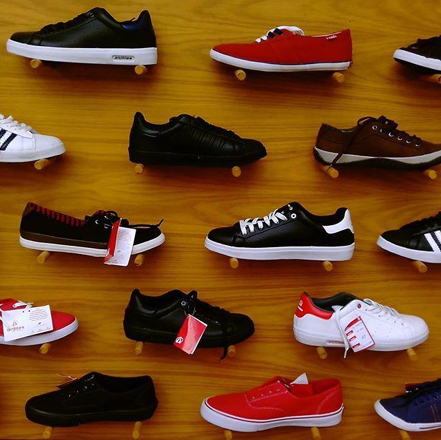 Dipilih Dipilih Dipilih Sneakers Murah Keren Kece Cuma Ada