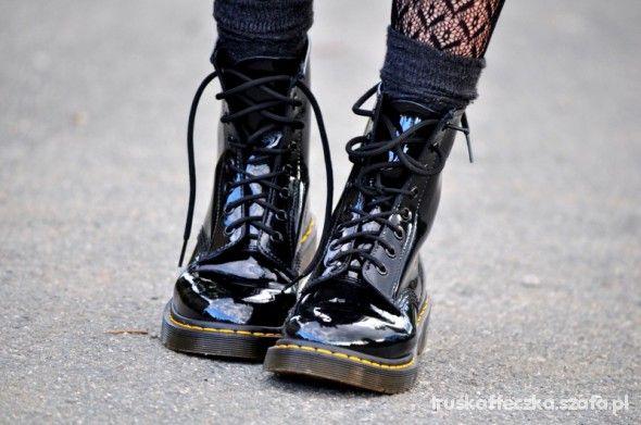Z Czym Nosic Glany Damskie Szukaj W Google Doc Martens Boots Dr Martens Boots