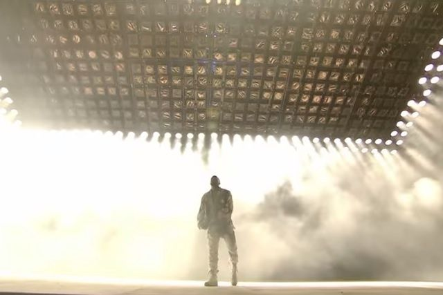 Watch Kanye West Cover Queen S Bohemian Rhapsody At Glastonbury Bohemian Rhapsody Glastonbury Kanye West