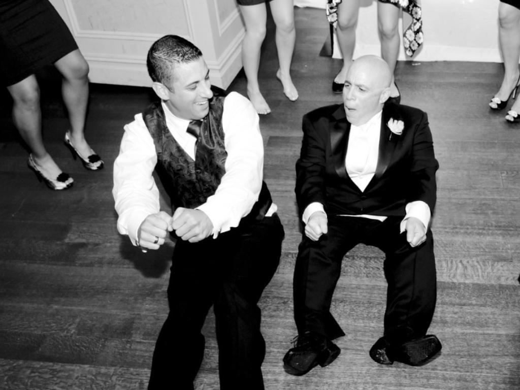 Weddings Dj Videography Photography Ny Edmund Ceribelli And Maria Shammas Were Married In Long Island Ny Dj Chuck Gookins Of Fresh New Djs Dj Take That